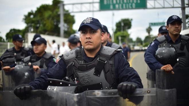 Mexico triển khai quân đội ngăn chặn dòng người di cư tới Mỹ