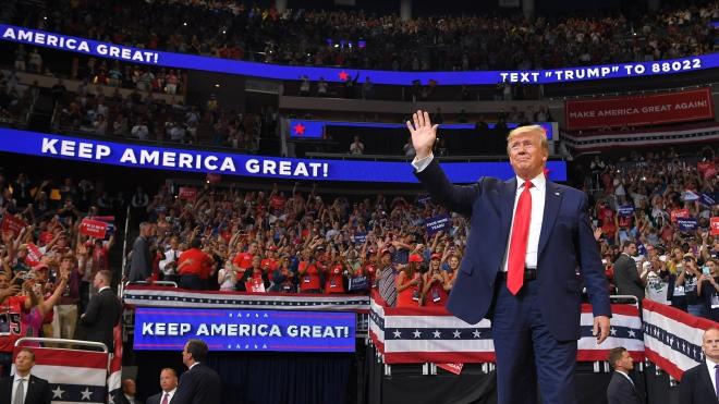 Tổng thống Mỹ Donald Trump chính thức tái tranh cử: Lợi thế vào thách thức