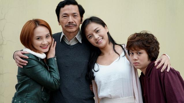Gia đình ông Sơn 'Về Nhà Đi Con' giống hệt đại gia đình Tendo trong 'Một nửa Ranma'!