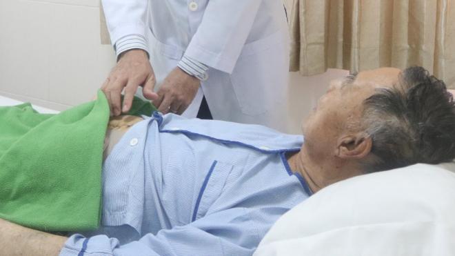 Điều trị thành công cho bệnh nhân bị tắc ruột do dính