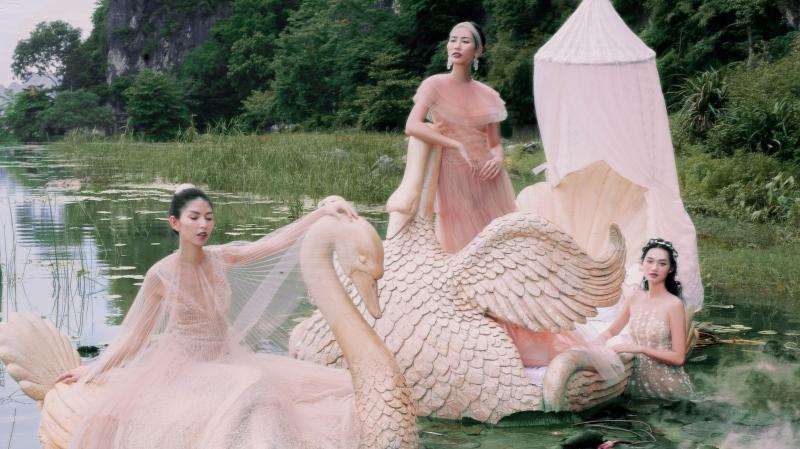 NTK Nguyễn Quảng ra mắt BST 'Mơ' sau 5 năm 'chạm ngõ' thời trang