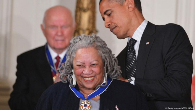 Vĩnh biệt nhà văn Toni Morrison: Người 'trả lại lịch sử' cho người Mỹ gốc Phi
