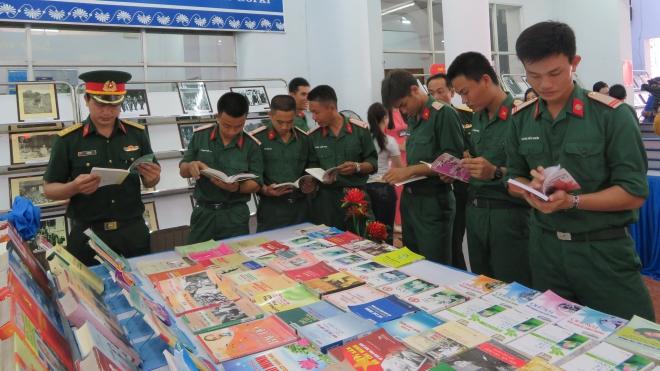 50 năm thực hiện Di chúc Bác Hồ: Triển lãm sách và hình ảnh chuyên đề 'Chủ tịch Hồ Chí Minh sống mãi trong sự nghiệp của chúng ta'