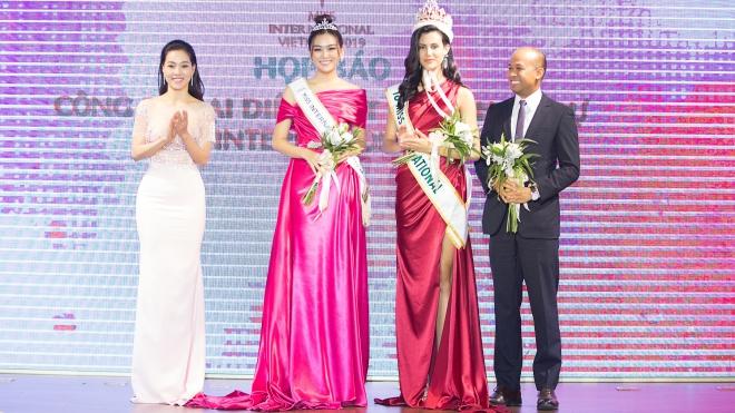 Á hậu Tường San chính thức đại diện Việt Nam tham dự Miss International 2019