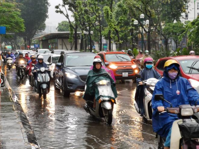 Hà Nội mưa to, Dự báo thời tiết, Hà Nội ngập, hà nội ngập, Thời tiết Hà Nội, hà nội mưa ngập, những tuyến phố Hà Nội ngập, du bao thoi tiet, thoi tiet, thời tiết, Tin tức
