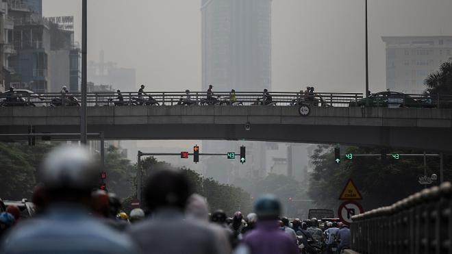 Chuyên gia nói gì về hiện tượng ô nhiễm bụi mịn tại các thành phố đang ở ngưỡng cao?