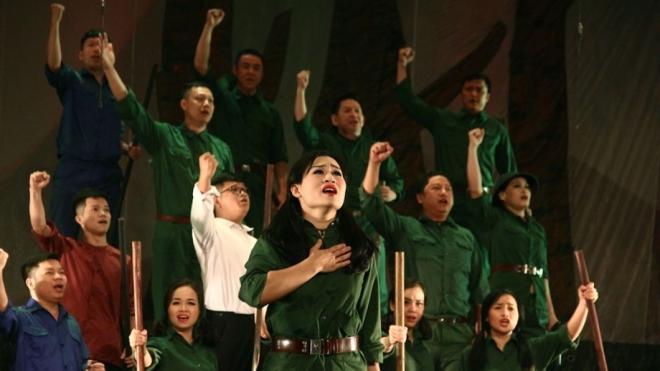 3 nhạc kịch sử thi đầu tiên của Việt Nam (kỳ 3 & hết): 'Người tạc tượng' - bản anh hùng ca Tây Nguyên