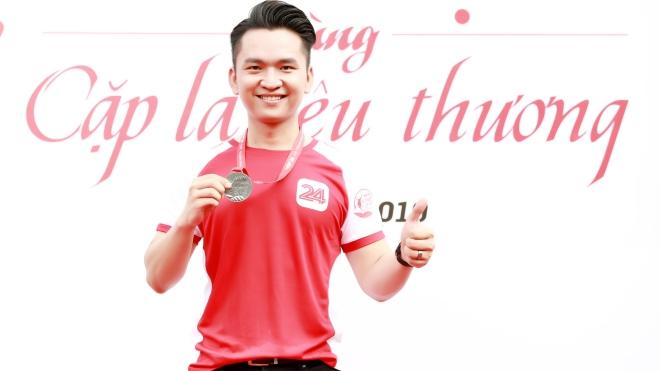 MC Hạnh Phúc: Bốn năm miệt mài qua 48 tỉnh, thành với 'Cặp lá yêu thương'