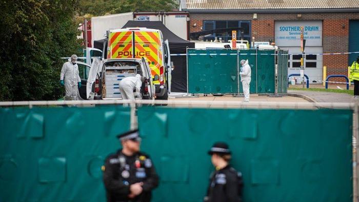 Nhìn từ vụ phát hiện 39 thi thể tại Anh: báo động đỏ về tình trạng buôn người trên thế giới