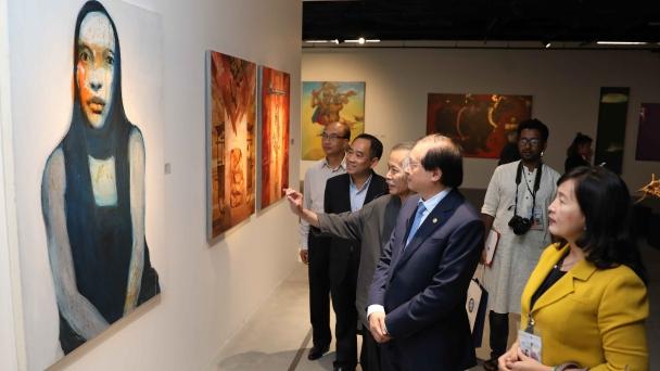 Khai mạc Triển lãm tác phẩm mỹ thuật của các nghệ sỹ tiêu biểu châu Á
