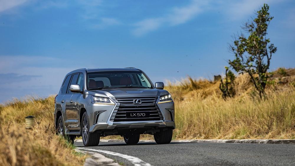 SUV cỡ lớn hàng đầu của Lexus ra mắt giá hơn 8 tỷ đồng
