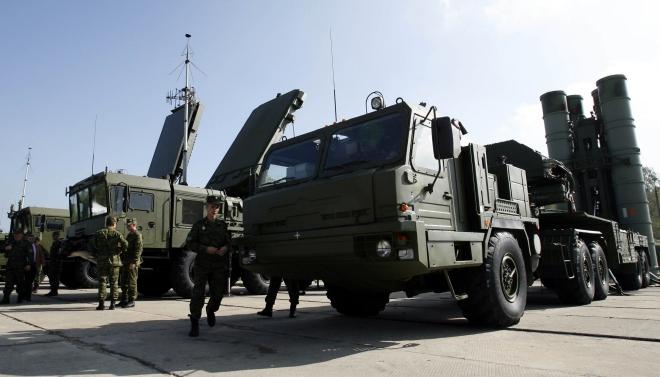 Ấn Độ muốn Nga đẩy nhanh chuyển giao hệ thống tên lửa S-400 Triumph