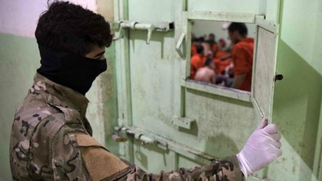 Thổ Nhĩ Kỳ bắt đầu hồi hương tù nhân IS