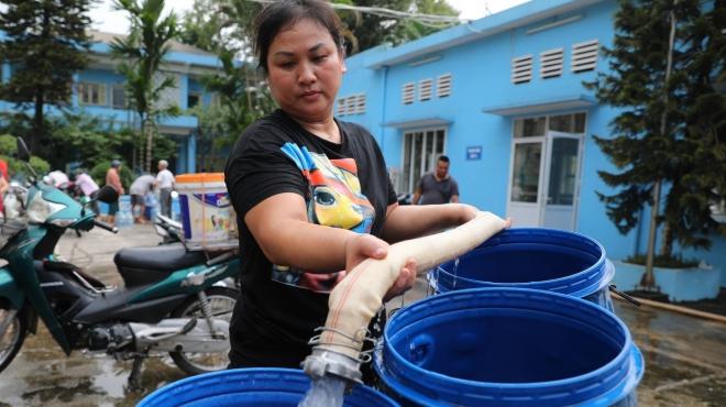 Bên lề Kỳ họp thứ 8, Quốc hội khóa XIV: Điều tra, làm minh bạch nguyên nhân tăng giá nước sạch