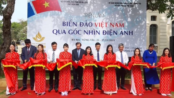 Liên hoan Phim Việt Nam lần thứ XXI: Khai mạc triển lãm chủ đề 'Biển đảo Việt Nam qua góc nhìn điện ảnh'