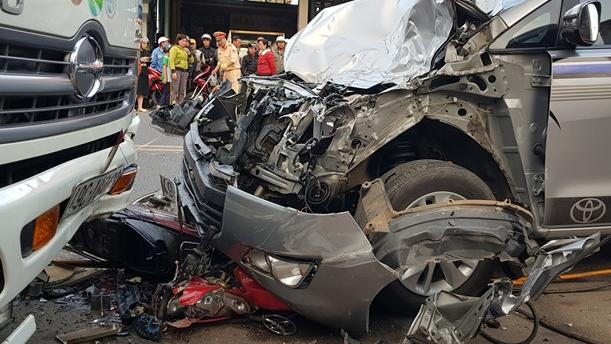 Lâm Đồng: Trung tá quân đội say rượu, lái xe gây tai nạn khiến cô gái 18 tuổi tử vong
