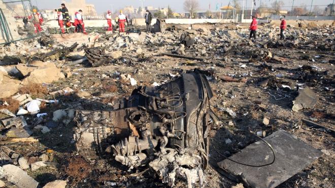 Vụ máy bay rơi tại Iran: Hai hành khách may mắn thoát chuyến bay tử thần