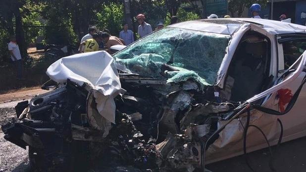 Bình Phước: Xe bán tải gây tai nạn liên hoàn, ba người bị thương nặng
