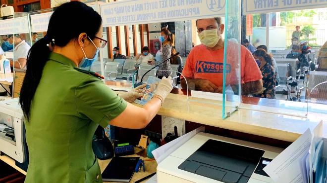 Dịch COVID-19: Tìm ra hành khách nhập cảnh trên chuyến bay có người Nhật nhiễm bệnh