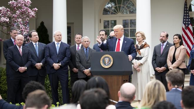 Dịch COVID-19: Tổng thống Mỹ Donald Trump ban bố tình trạng khẩn cấp quốc gia