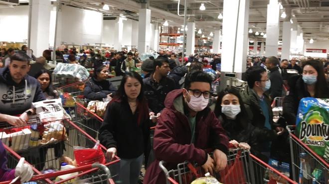Chính phủ Mỹ kêu gọi người dân không tích trữ nhu yếu phẩm, New York đóng cửa trường học