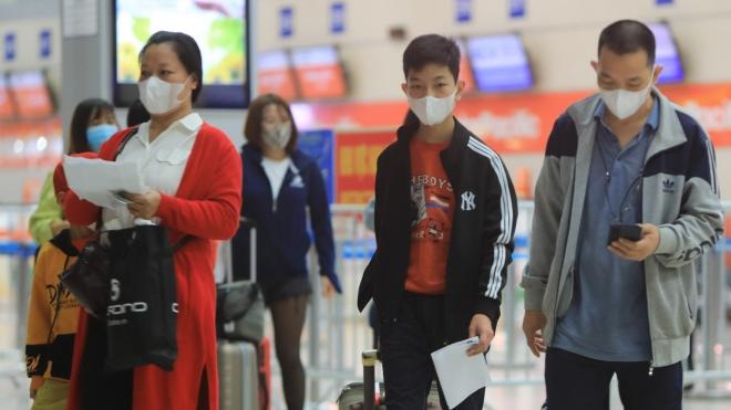 Hướng dẫn cách ly, theo dõi sức khỏe hành khách trên các chuyến bay có trường hợp mắc COVID-19