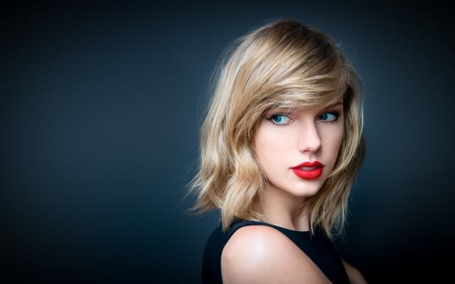 Taylor Swift, Cuộc đời Taylor Swift chìm trong những lời chỉ trích cay nghiệt, ca sĩ Taylor Swift, rắn chúa Taylor Swift, Taylor Swift rắn chúa