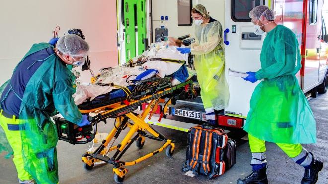 Diễn biến COVID-19 tới 7h30 sáng 30/3: Số ca tử vong toàn cầu gần 34.000, nước Anh trong tình trạng khẩn cấp