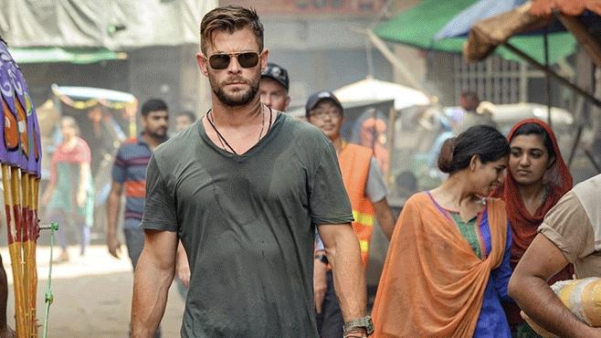 Chris Hemsworth vào vai lính đánh thuê