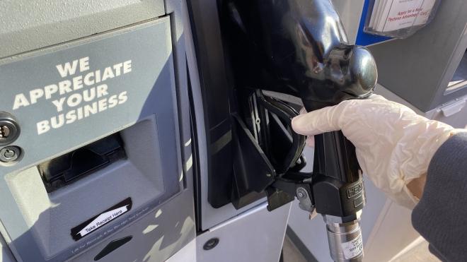 Giá dầu ở Mỹ giảm xuống dưới 0 USD/thùng