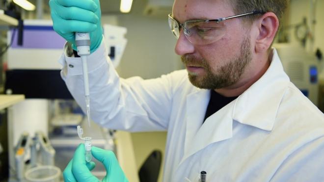Đức tiêm vaccine thử nghiệm phòng virus SARS-CoV-2 trên nhóm tình nguyện viên đầu tiên