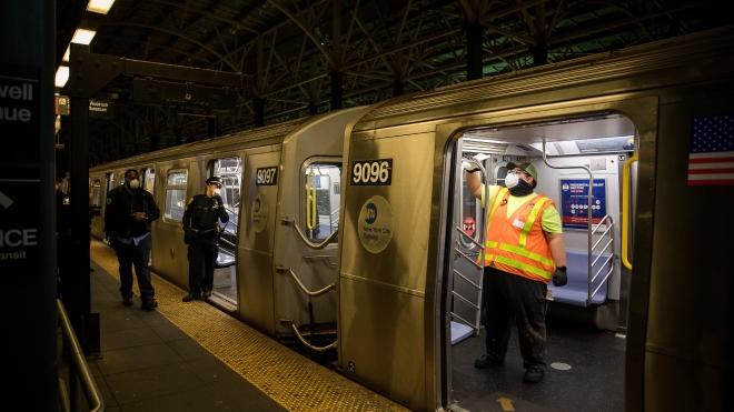 COVID-19 tấn công biểu tượng của 'thành phố không ngủ' New York