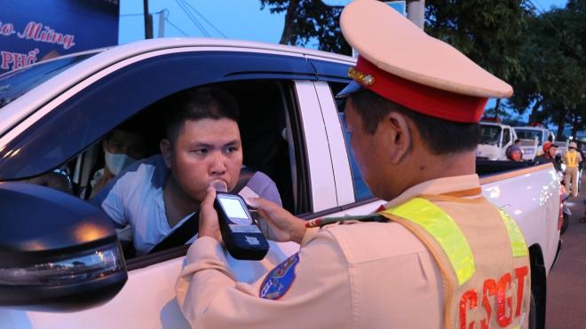 Giải quyết ùn tắc giao thông ở Hà Nội: Đồng bộ các giải pháp