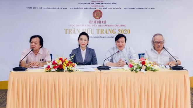 'Nâng cấp' Giải thưởng Trần Hữu Trang - Hay và dở!