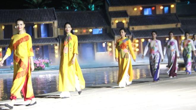 Đặc sắc, ấn tượng 'Lễ hội áo dài Hội An - danh thắng Việt Nam'