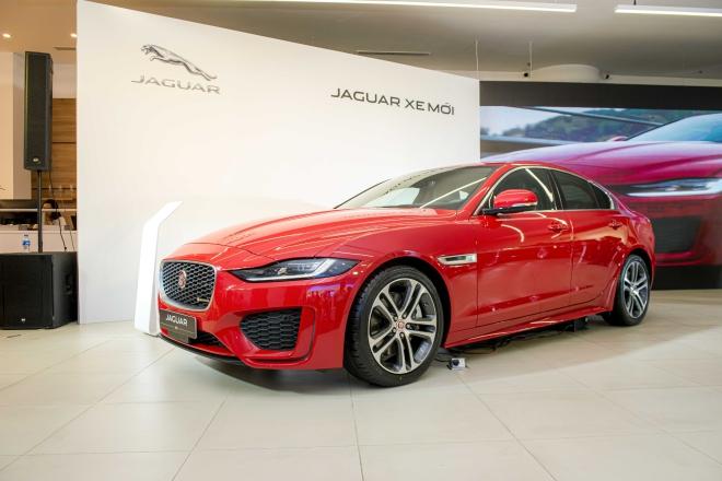Jaguar Land Rover ra mắt không gian thương hiệu đầu tiên tại TP.HCM