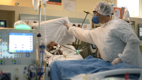 Tình hình dịch Covid-19: WHO ghi nhận số ca nhiễm mới cao chưa từng thấy