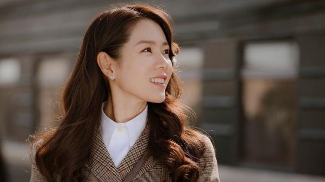 'Tình đầu quốc dân' Son Ye Jin - Quý cô độc thân của K-biz