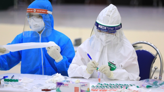 Người phụ nữ nhập cảnh trái phép cùng bệnh nhân 1451 và 1453, âm tính lần 1 với virus SARS-CoV-2