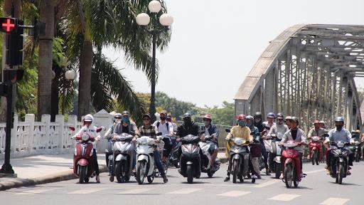 Dự báo thời tiết: Trung Bộ tiếp tục có nắng nóng diện rộng gay gắt