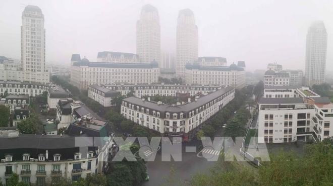 Người dân Hà Nội nên hạn chế ra ngoài vì không khí ô nhiễm