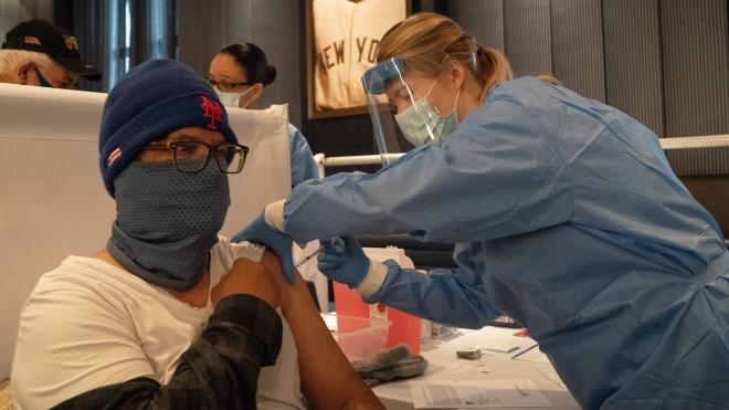 'Hộ chiếu vaccine' - Cuộc tranh luận chưa có hồi kết