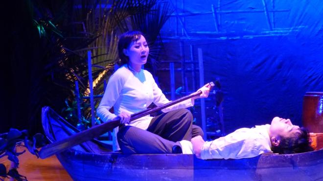 'Gia vị' sân khấu đang lấn át cả kịch bản và diễn xuất nghệ sĩ