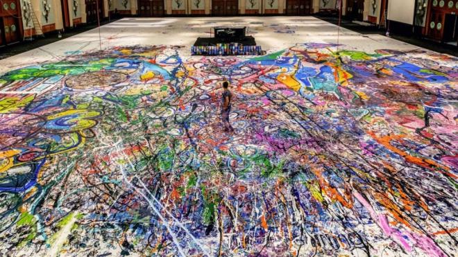 Tranh sơn dầu lớn nhất thế giới có giá 62 triệu USD dành trao tặng các trẻ con nghèo