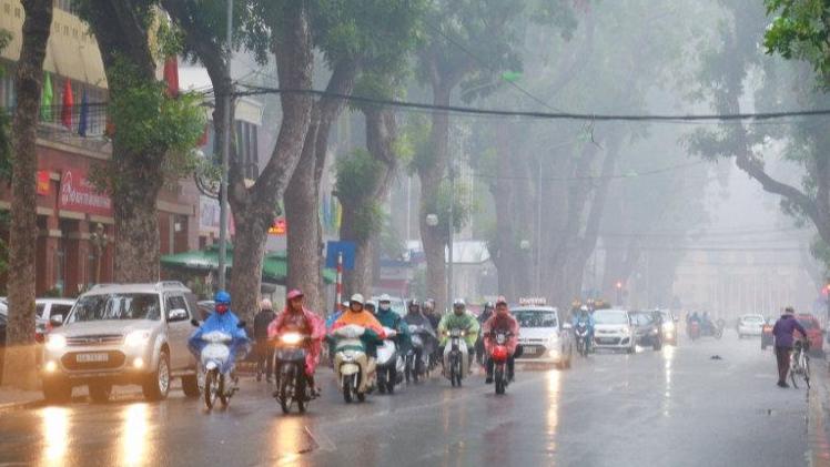 Bắc Bộ có mưa phùn, Nam Bộ ngày nắng