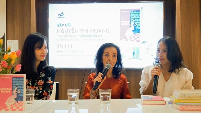 Nhà văn Nguyễn Thị Hoàng với tiểu thuyết 'Vòng tay học trò': Dạt dào 'thiên tính nữ'