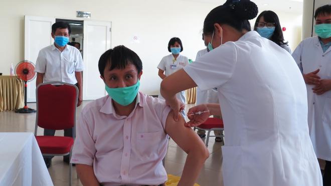 Dịch Covid-19: Thêm 8 ca mắc mới, hơn 128.600 người đã được tiêm vaccine phòng bệnh