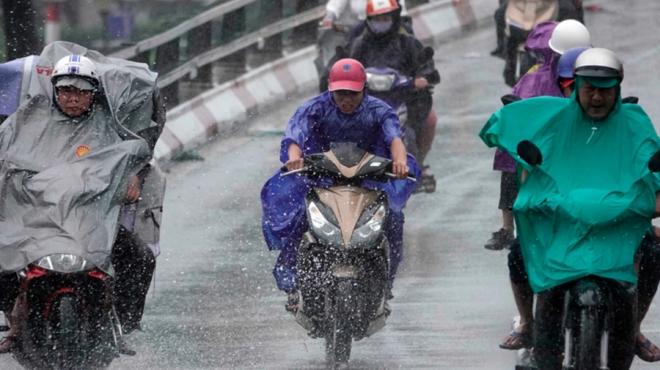 Hôm nay và ngày mai, miền Bắc nhiều nơi mưa rất to và dông