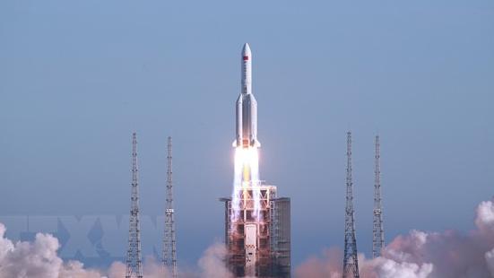 Truyền thông Trung Quốc dự báo điểm rơi mảnh vỡ của tên lửa Trường Chinh 5B