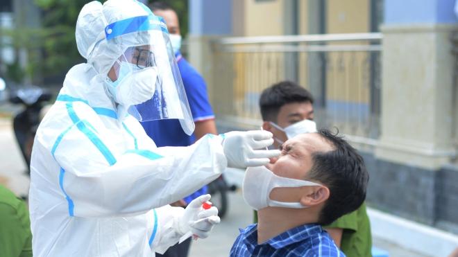 Hai F1 của cặp vợ chồng mắc Covid-19 ở quận Thanh Xuân dương tính với SARS-CoV-2